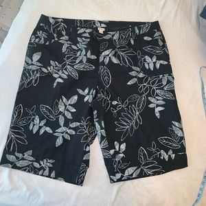 Floral Bermuda Shorts size 28